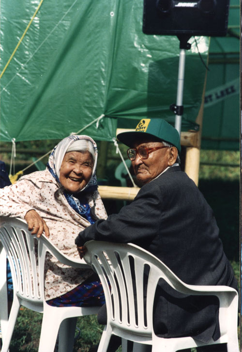 Joe and Annie Henry in 1993. In 2000, Joe and Annie were recognized by Guinness World Records as the World's Longest Married Couple – 79 years in 2000, going on 81 when Joe died. Annie passed away in 2005 at the age of 101.