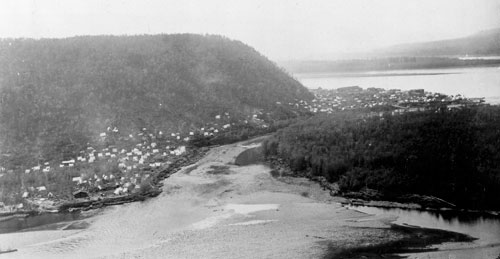 Miners' tents lined the south bank of the Klondike River at the height of the Klondike gold rush, spring 1898.