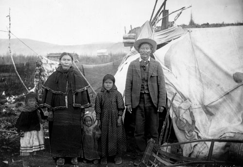 Family at Forty Mile, ca. 1899.